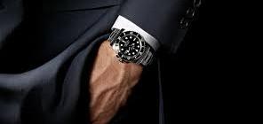 Pravi moški nosi veliko uro