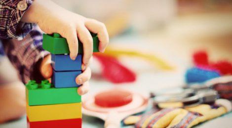 Lesene igrače so naravne igrače
